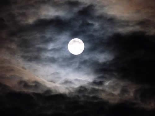 Der Mond regiert in der Nacht